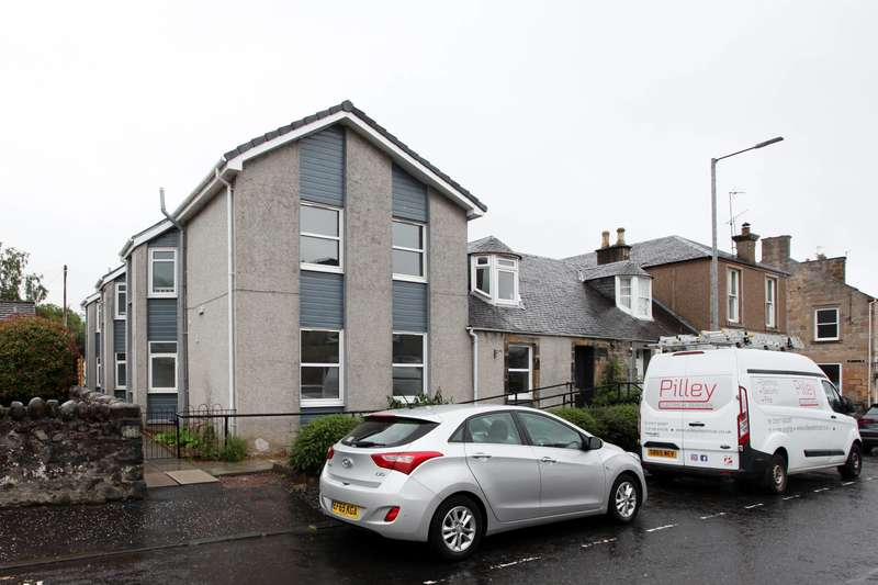 3 Bedrooms Flat for sale in Station Road, Dollar, Clackmannanshire, FK14 7EJ