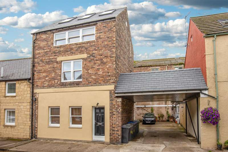 2 Bedrooms Town House for sale in 48a Duke Street, Coldstream