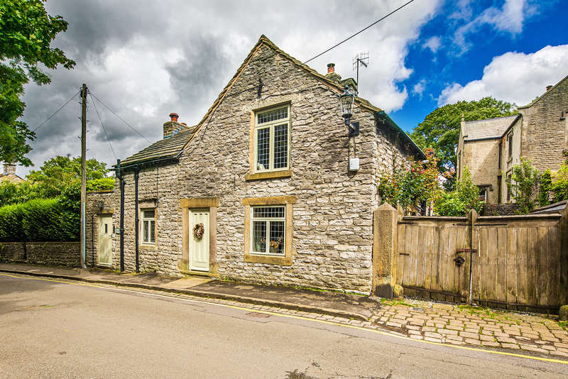 3 Bedrooms Cottage House for sale in Back Street, Castleton, Hope Valley