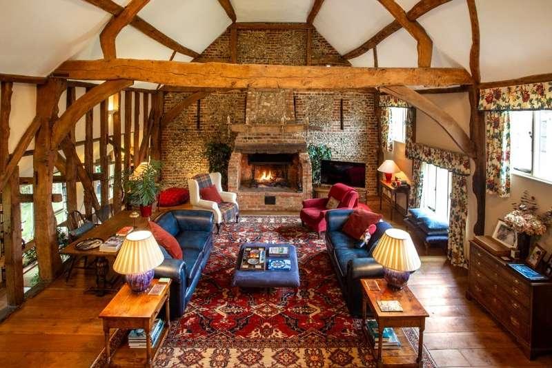 6 Bedrooms House for sale in Valley Road, Hughenden Valley, Buckinghamshire, HP14