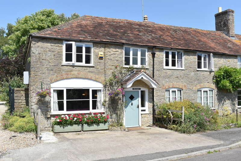 3 Bedrooms Semi Detached House for sale in South Cheriton, Somerset, BA8