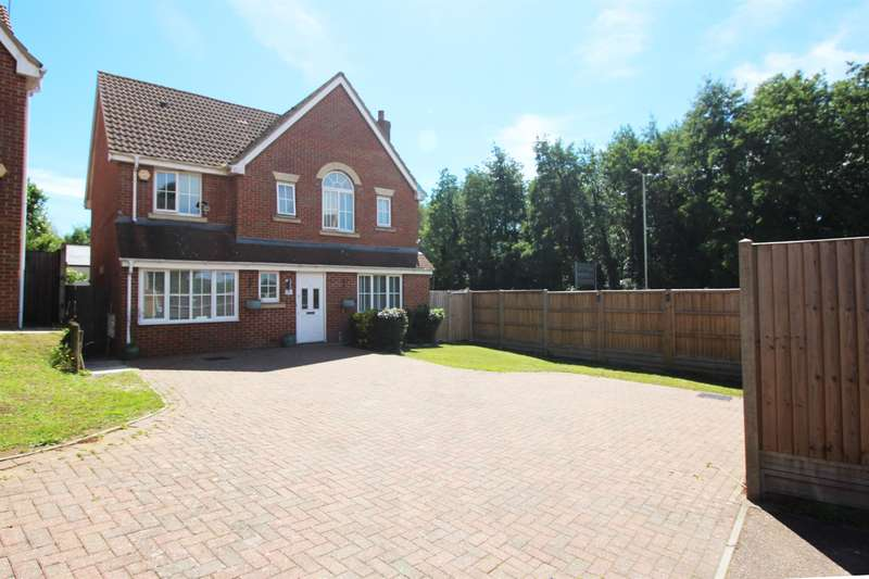 4 Bedrooms Detached House for sale in Tates Way, Stevenage, SG1 4WP