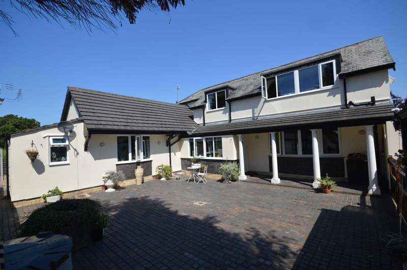 4 Bedrooms Detached House for sale in Hooton Green, Hooton