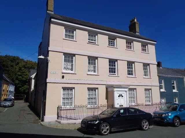 Studio Flat for sale in Willesden House, 1 Bush Row, St. Thomas Green