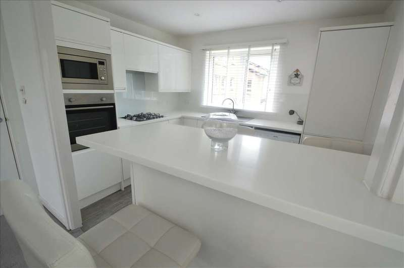 1 Bedroom Apartment Flat for sale in May Gardens, Hamilton