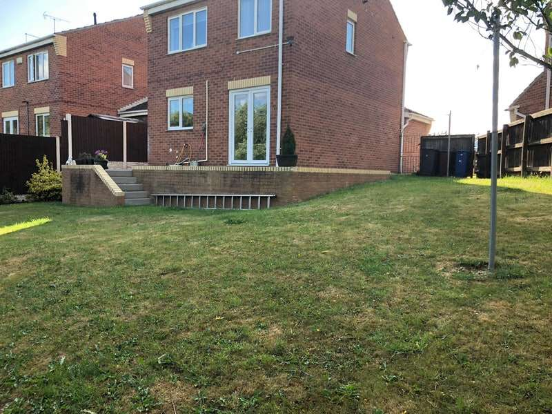 3 Bedrooms Detached House for sale in Cotterdale Gardens, Barnsley, South Yorkshire, S73