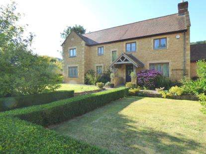 5 Bedrooms Detached House for sale in Stoke-Sub-Hamdon, Somerset, Uk