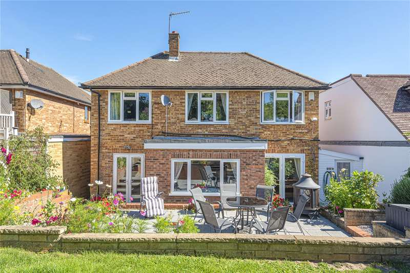 4 Bedrooms Detached House for sale in Brookdene Avenue, Oxhey Hall, Watford, WD19