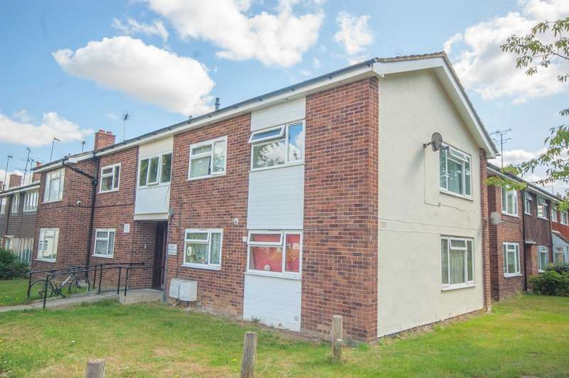 1 Bedroom Apartment Flat for sale in Meadgate Avenue, Great Baddow, Nr City Centre, Chelmsford, CM2