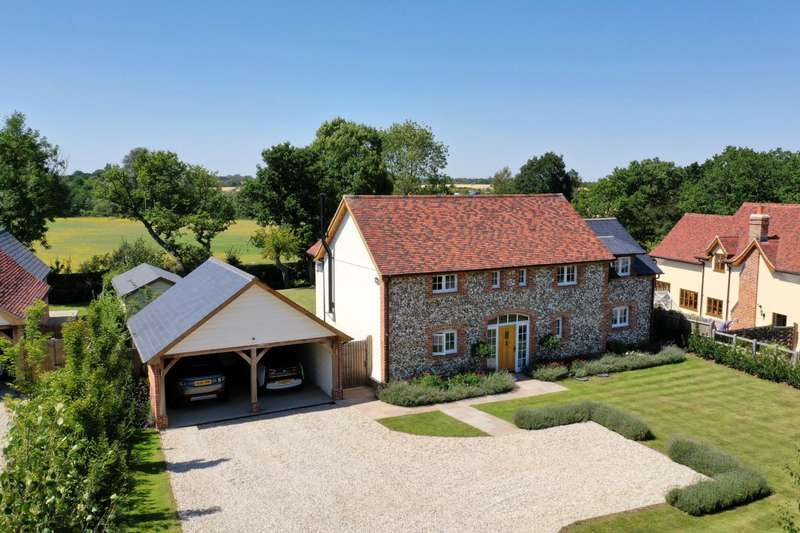 4 Bedrooms Detached House for sale in Graces Lane, Dunmow, Essex