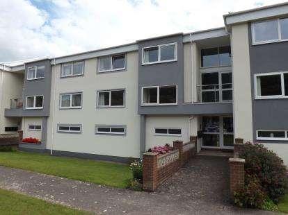 2 Bedrooms Flat for sale in Llys Maelgwn, Gloddaeth Avenue, Llandudno, Conwy, LL30