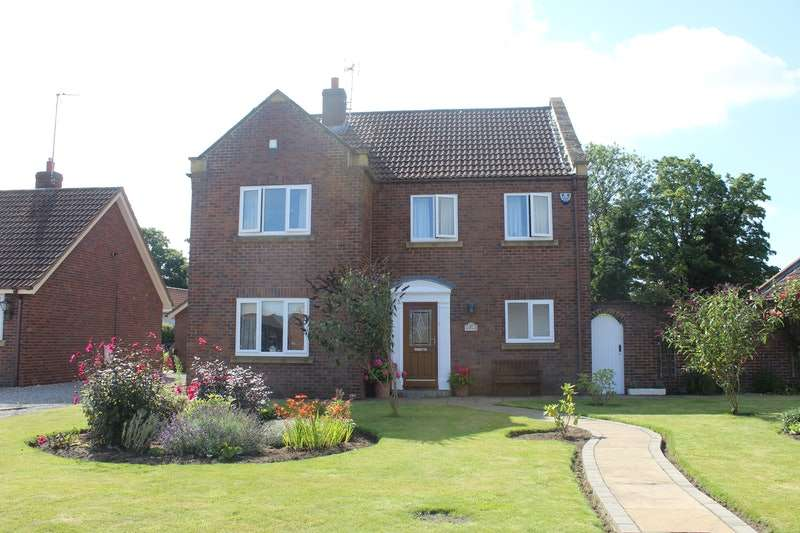 4 Bedrooms Detached House for sale in Kings Close, Barlby, Selby, North Yorkshire, YO8