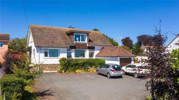 4 Bedrooms Detached Bungalow for sale in Dartmouth Road, Paignton, Devon