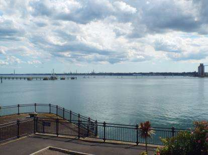 2 Bedrooms Flat for sale in Ocean Village, Southampton, Hampshire