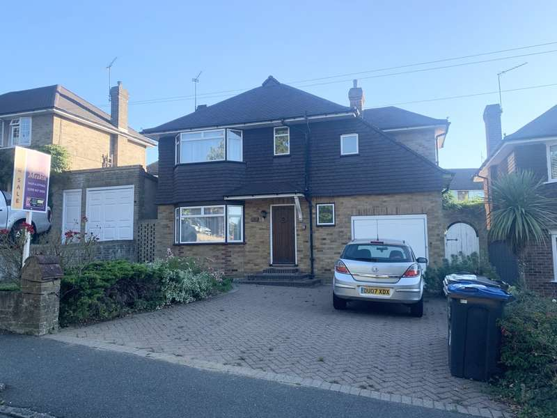 3 Bedrooms Detached House for sale in Elmfield Way, South Croydon