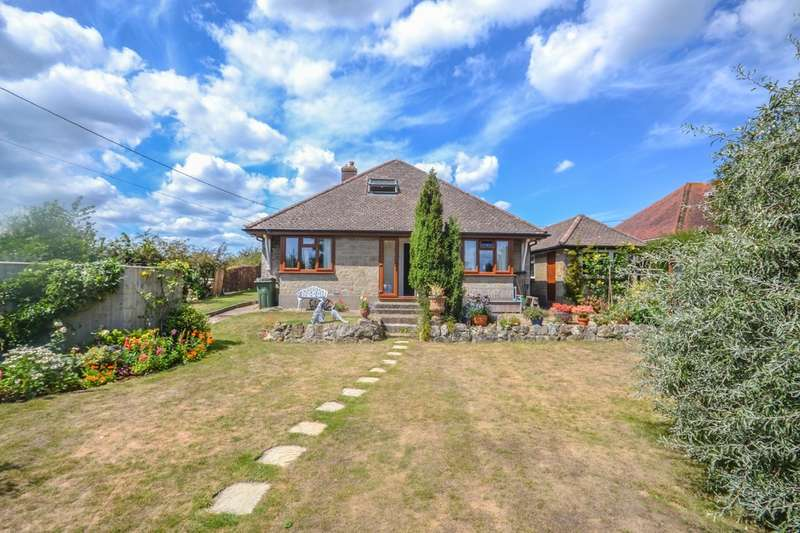 5 Bedrooms Detached Bungalow for sale in Morton Old Road, Brading