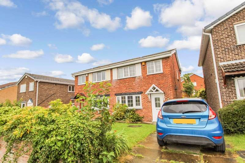 3 Bedrooms Semi Detached House for sale in Buckingham Way, Barnsley, South Yorkshire, S71