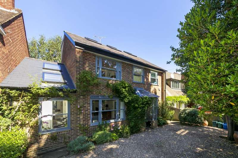 4 Bedrooms Detached House for sale in Sandy Lane, Richmond