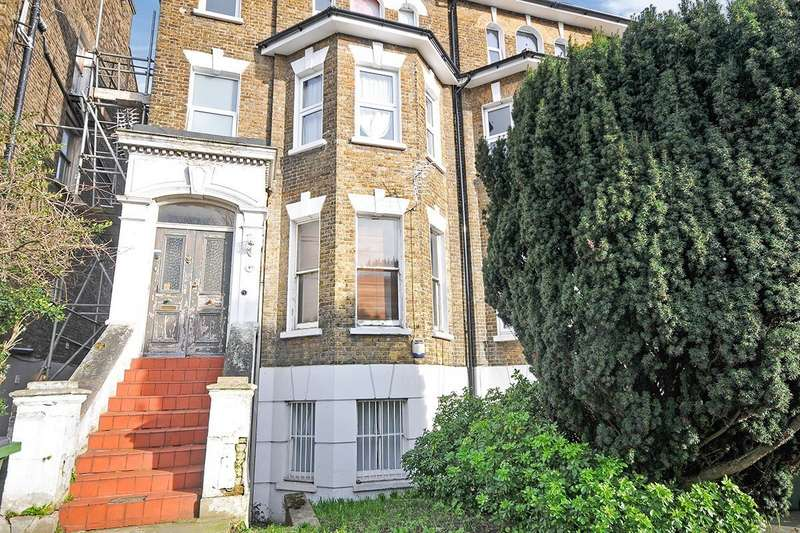 2 Bedrooms Apartment Flat for sale in Footscray Road, London, SE9