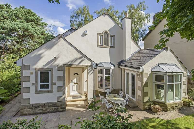3 Bedrooms Detached House for sale in Denton Road, Ben Rhydding, Ilkley