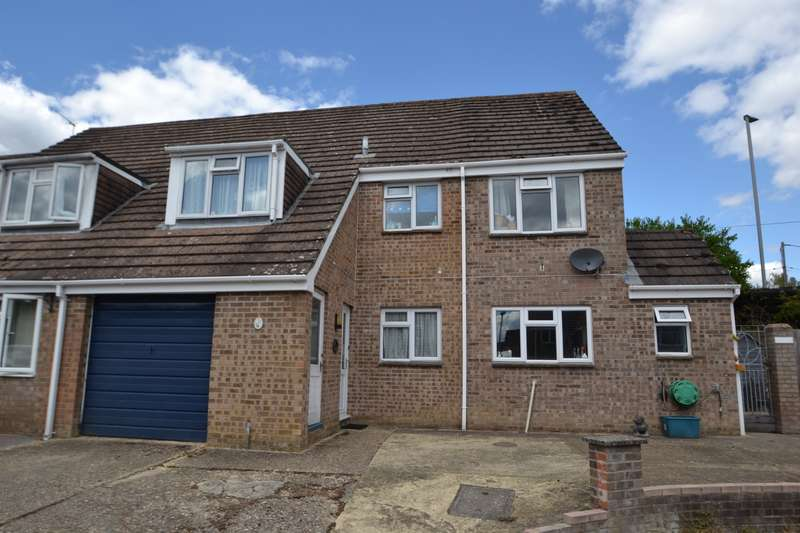 4 Bedrooms Semi Detached House for sale in Alderholt