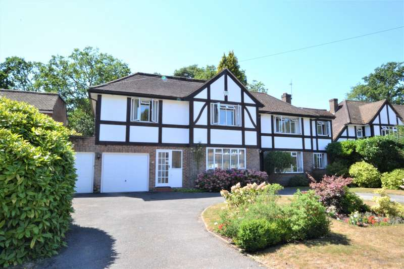 4 Bedrooms Detached House for sale in Hacketts Lane, Pyrford, GU22