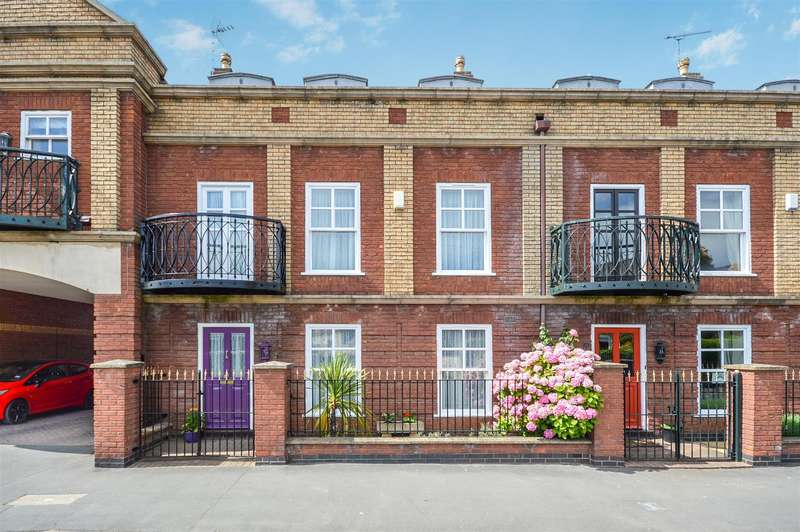 4 Bedrooms House for sale in Langworthgate, Lincoln