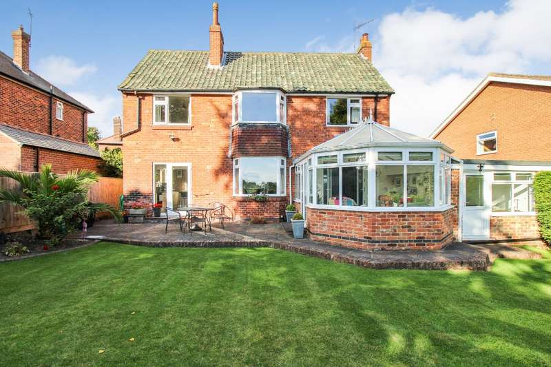 3 Bedrooms Detached House for sale in Aspin Avenue, Knaresborough, North Yorkshire