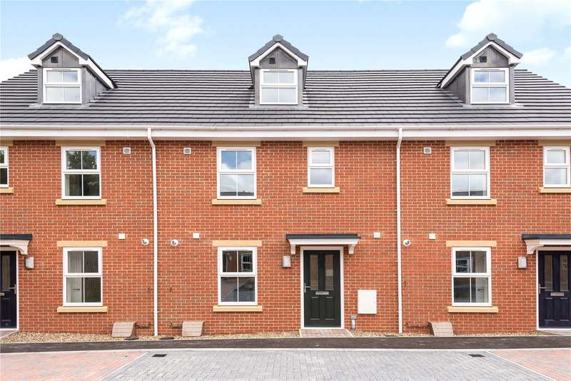 3 Bedrooms Terraced House for sale in Cosway Court, Wanborough Road, Swindon, Wiltshire, SN3