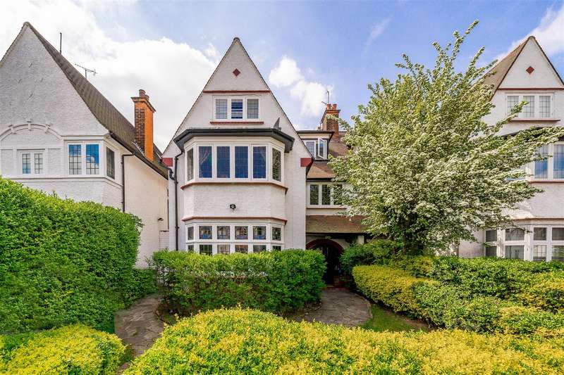 4 Bedrooms House for sale in West Heath Drive, Golders Hill Park NW11