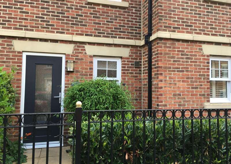 5 Bedrooms Terraced House for sale in Featherstone Grove, Newcastle Upon Tyne