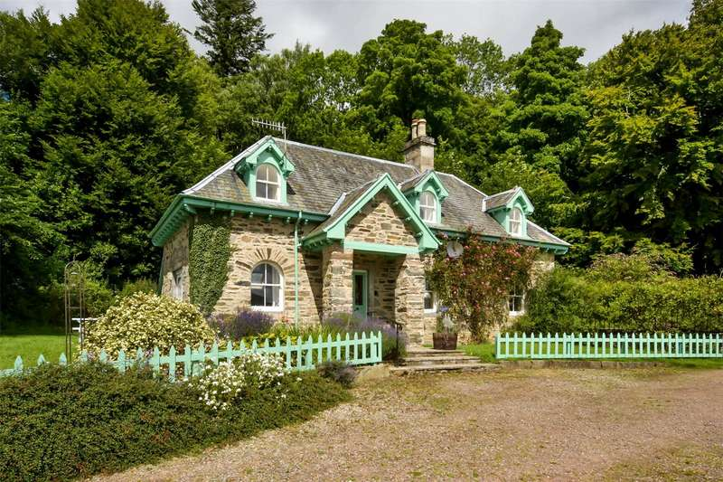 3 Bedrooms Detached House for sale in Middle Lodge, Castle Menzies, Aberfeldy, Perthshire, PH15