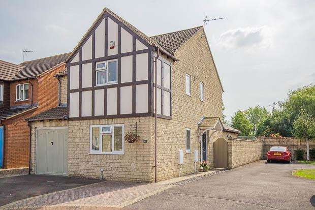 4 Bedrooms Detached House for sale in Tayberry Grove, Up Hatherley, Cheltenham, GL51 3WF