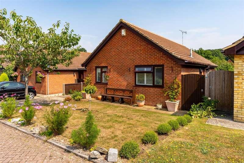 2 Bedrooms Detached Bungalow for sale in Woodside, Dunkirk