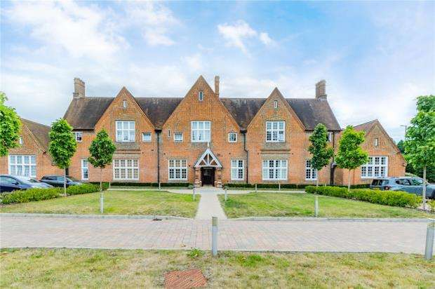 1 Bedroom Apartment Flat for sale in Union Buildings, Hospital Hill, Aldershot Hampshire