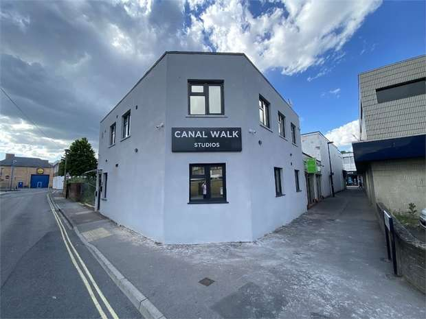 Flat for rent in Elias Hotel Ltd, Canal Walk, SOUTHAMPTON, Hampshire