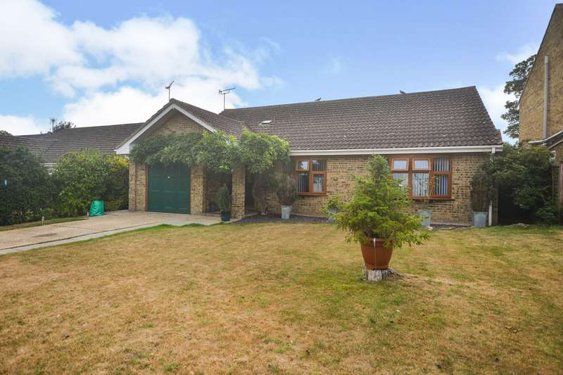 2 Bedrooms Detached Bungalow for sale in White Acre Drive, Walmer Deal, Kent, CT14