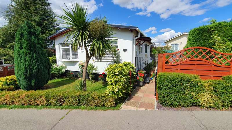2 Bedrooms House for sale in Littleton