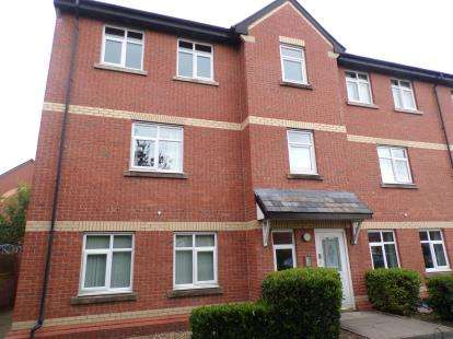 2 Bedrooms Flat for sale in Pendle Court, Leigh, Greater Manchester, .