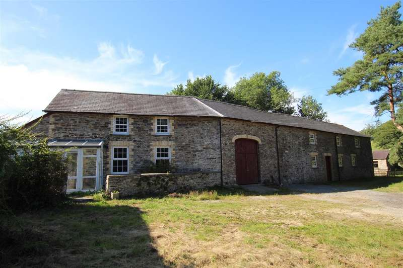 3 Bedrooms Property for sale in Llanybydder, West Wales