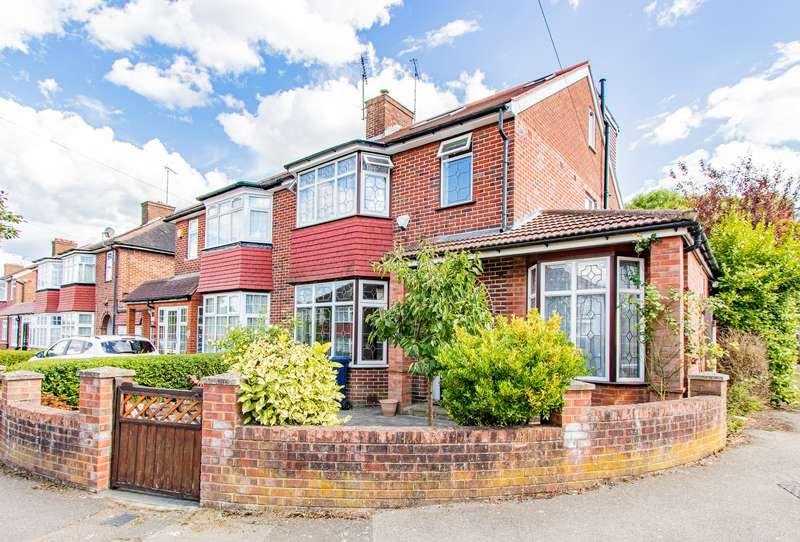 4 Bedrooms Property for sale in Oakwood Crescent, Greenford