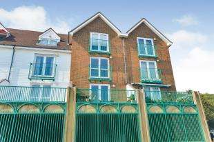 1 Bedroom Flat for sale in Harbour Point, The Stade, Folkestone