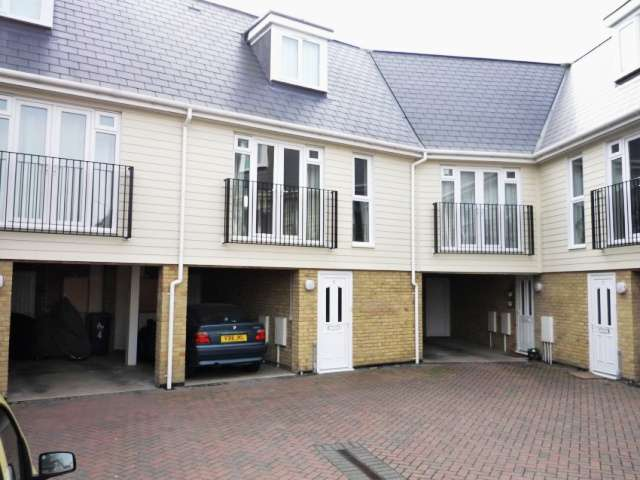 2 Bedrooms Terraced House for rent in Lower Herne Road, Herne Bay