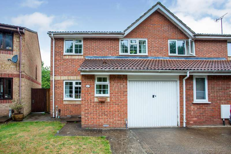 4 Bedrooms Semi Detached House for sale in Himalayan Way, Watford, Hertfordshire, WD18