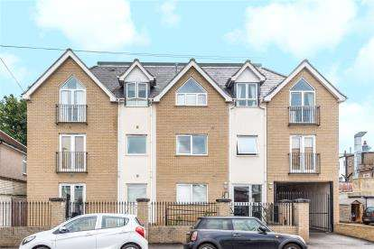 2 Bedrooms Flat for sale in Jubilee Court, 2A Braemar Gardens, West Wickham