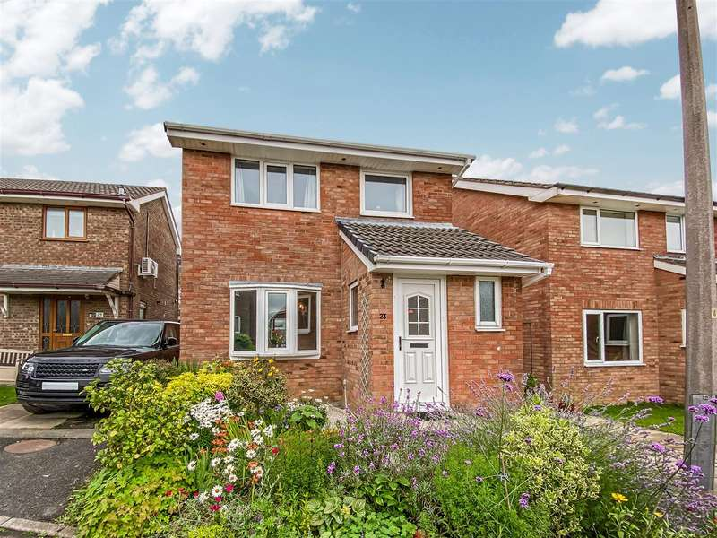 3 Bedrooms Detached House for sale in Levens Close, Lancaster