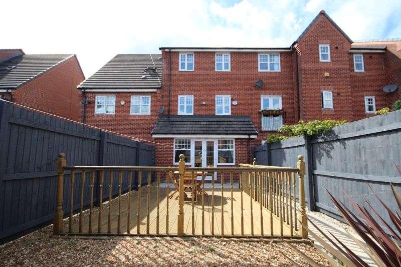 4 Bedrooms Property for sale in COPPY BRIDGE DRIVE, Firgrove, Rochdale OL16 3AQ