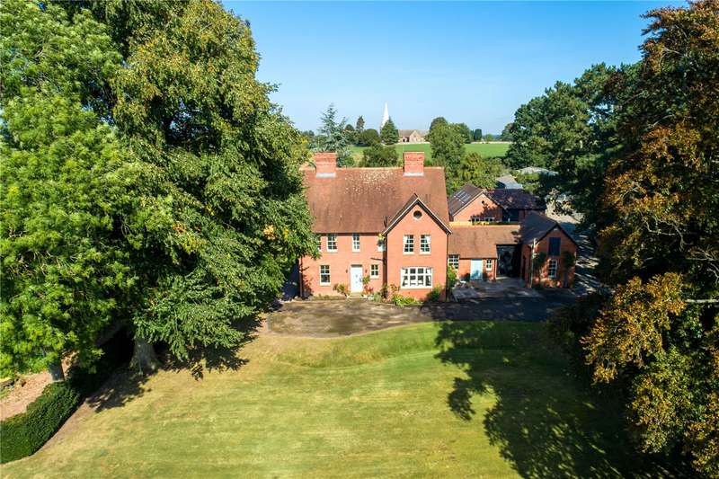 8 Bedrooms Detached House for sale in Kimbolton, Leominster, HR6 0HQ