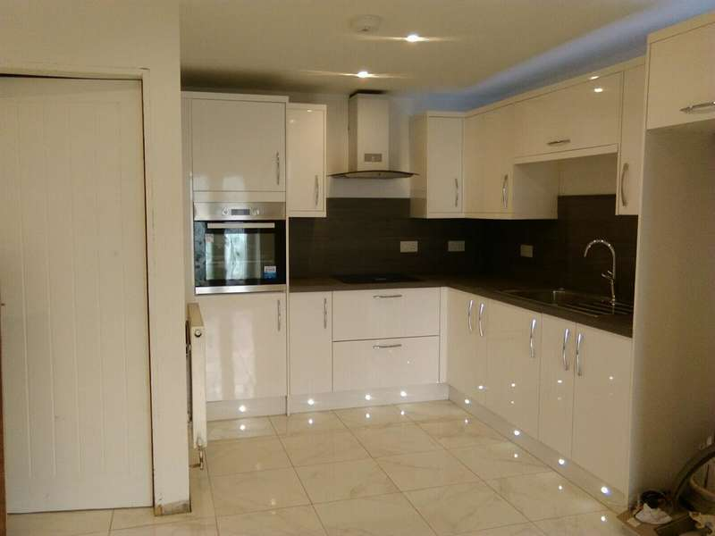 3 Bedrooms Terraced House for sale in Arthur Street, Abertysswg