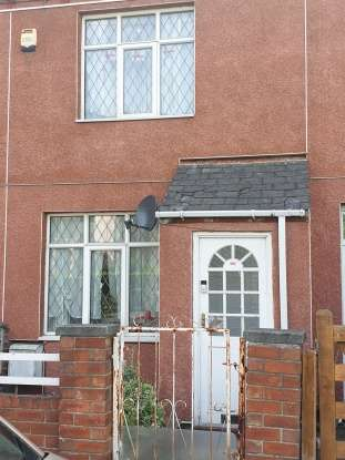 2 Bedrooms Terraced House for sale in Lockwood Road, Rotherham, South Yorkshire, S63 9JY